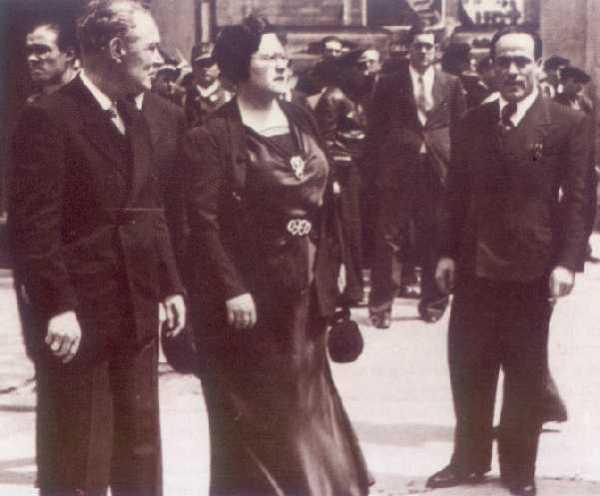 1. Buenaventura Durruti y el antifascismo obrerista y popular.// 2. CNT. Juan García Oliver. El papel del antifascismo democrático. 14b40-garciaoliver