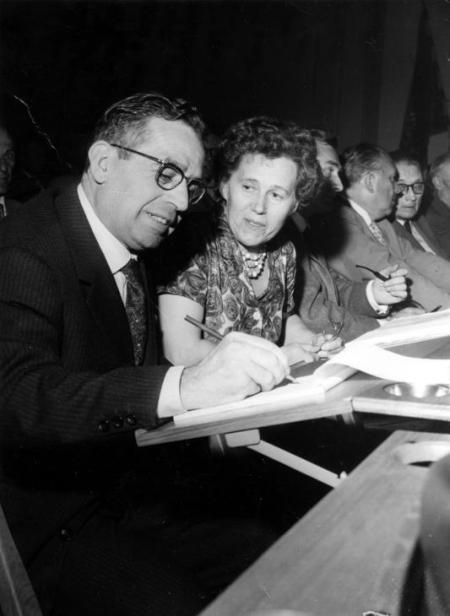 De izquierda a derecha: Ginés Alonso, Margit Manus-Arvidsson, Louis Mercier, Helmut Rüdiger y Albert de Jong en el Congreso del Cincuentenario de la SAC (Estocolmo, 1960)