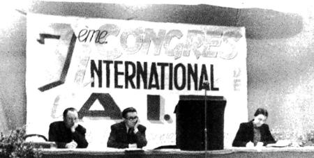 De izquierda a derecha: Helmut Rüdiger, Albert de Jong y Renée Lamberet. VII Congreso de la AIT  (Toulouse, 1951)
