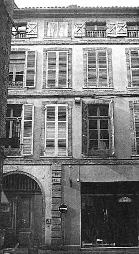 Edificio donde Rosa Laviña alojó Tonet Puig en la calle de la Resistencia de Toulouse