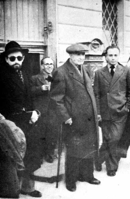 De izquierda a derecha: Gino Cerrito, R. Guzzardi, Paolo Schicchi y A. Pucci  (Palermo, julio de 1947)