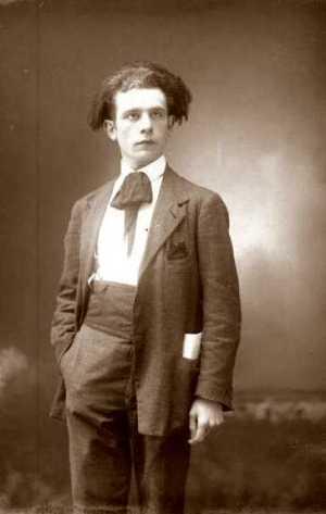 Aldo Aguzzi fotografiado por Vittorio Cicala (Voghera, 28 de marzo de 1921)