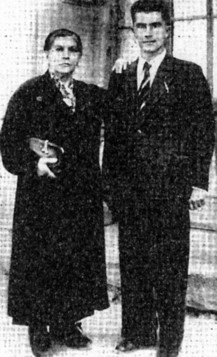 Alfonso Failla y su madre (Ventotene, 1942).