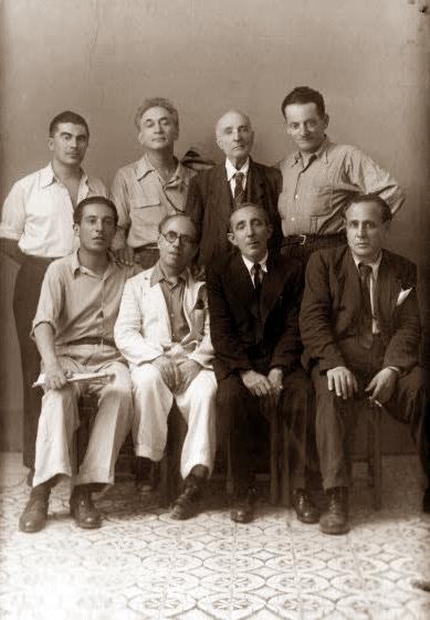 De izquierda a derecha, derechos: Alfonso Failla, Armando Borghi, Paolo Schicchi y Pio turrones; sentados: Giovanni Spatoliatore, Filippo Guzzardi, D'Andrea y Filippo Gramignano (Palermo, 1947)